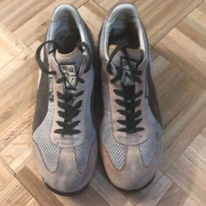 Authentic Puma running shoes